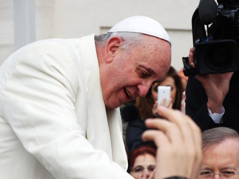 교황 Francis 로마 종교 가톨릭 카톨릭교 헌신 기독교 종교성 교회 기도 선 pope-francis-707390_960_720