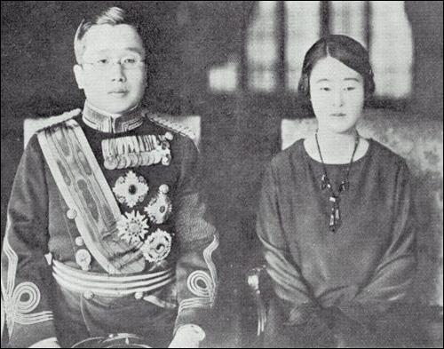일본 육군대학을 졸업할 무렵의 영친왕 부부