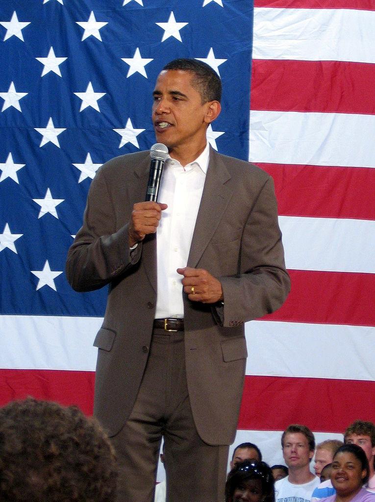 연설 중인 오바마(2007년). 사진=위키백과