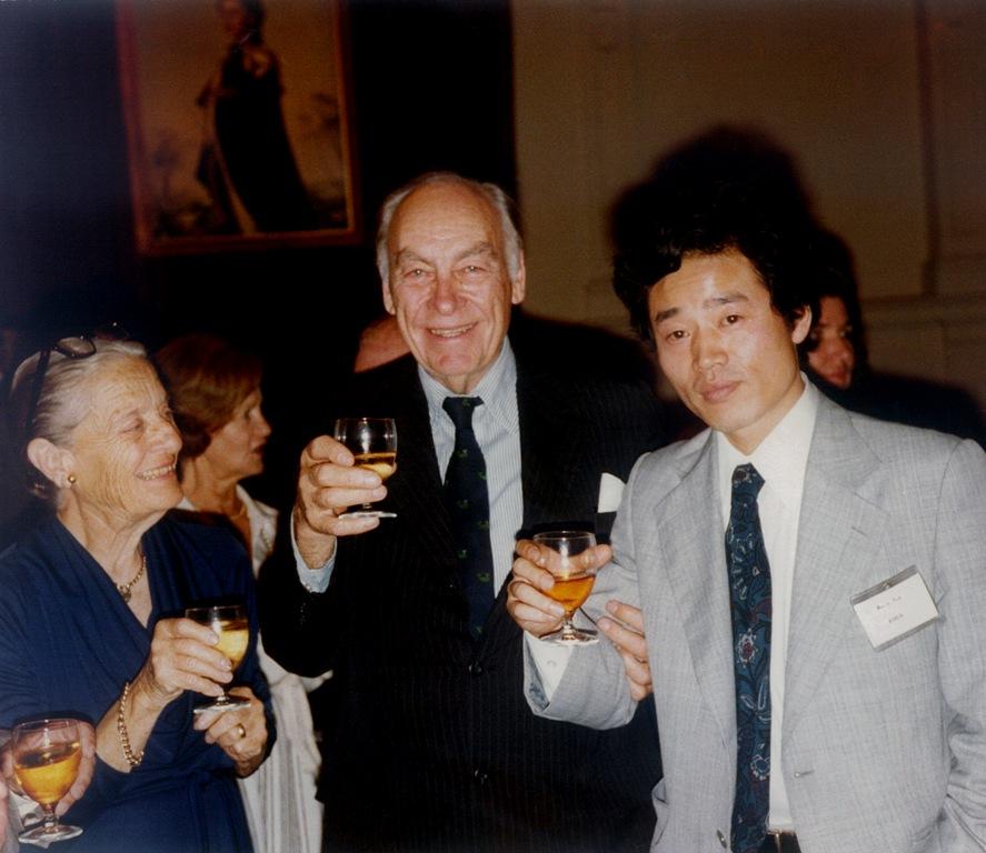 '한국갤럽'과 '박무익'이라는 이름이 널리 알려진 것은 1987년 국내 최초로 대통령 선거 결과를 예측, 적중하면서부터다.