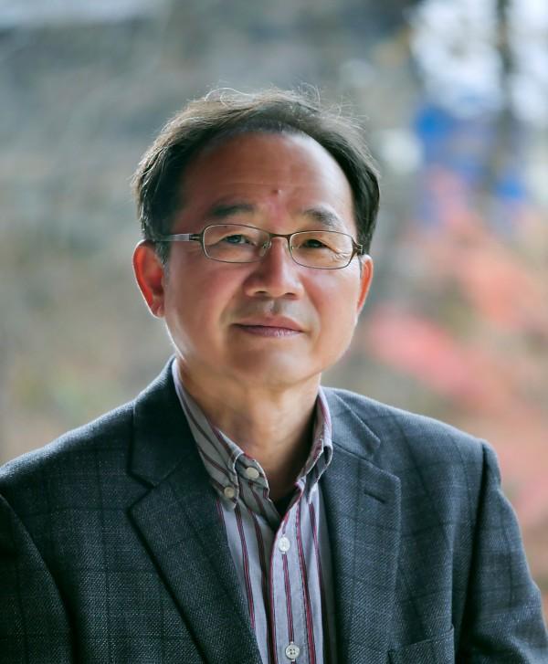 제27회 편운문학상 수상자 신덕룡 시인. 사진=조병화문학관